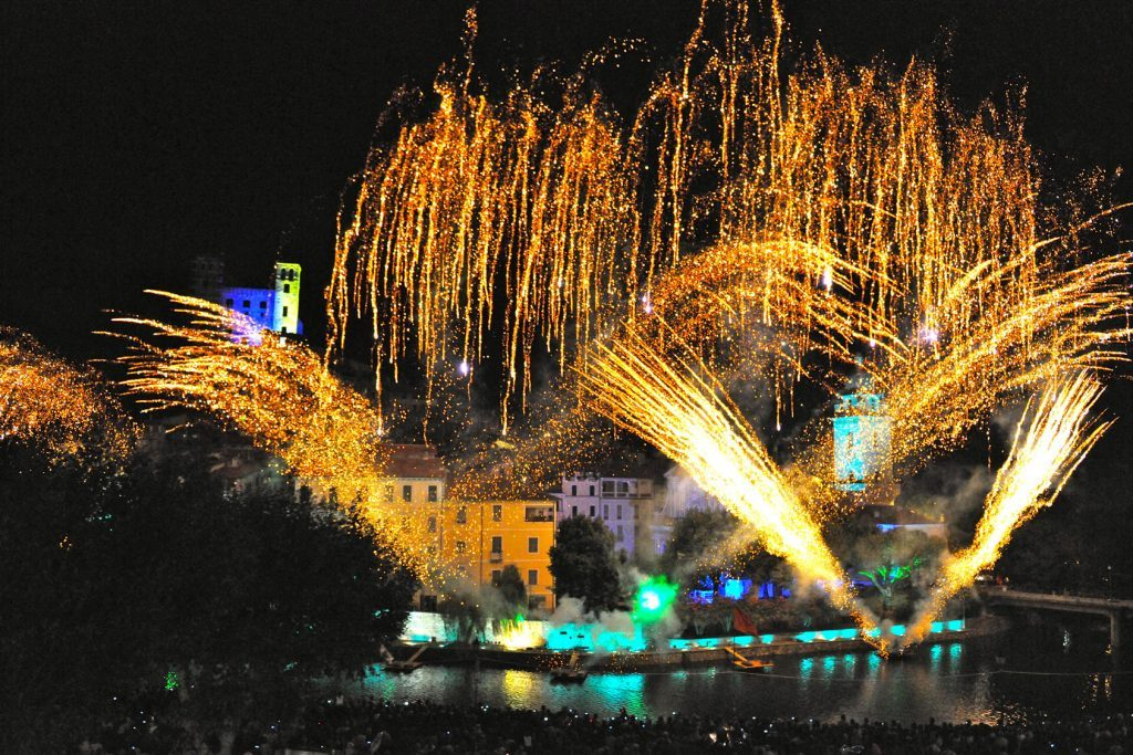 The August Fireworks are the most attractive Spectaclein Dolceacqua
